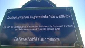 Protestation contre l'hommage public à Bernard Debré